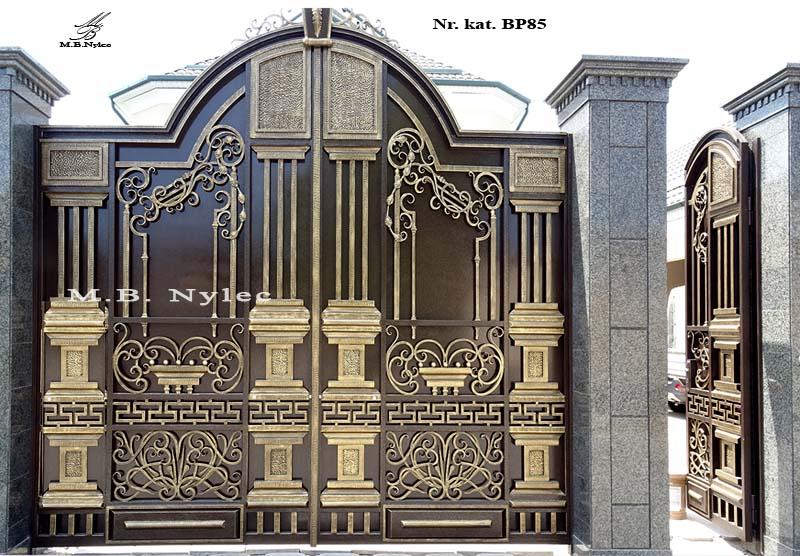 brama pełna z kolumnami bp85